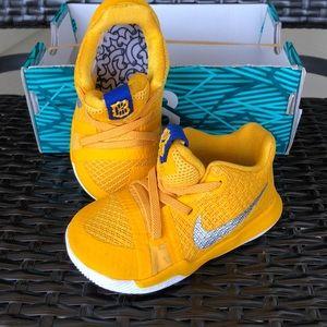 Nike Kyrie Mac & Cheese Size 5